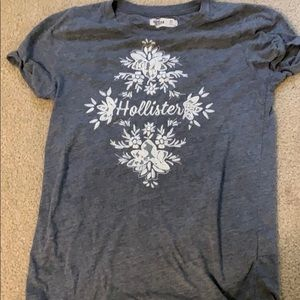 Grey hollister tee